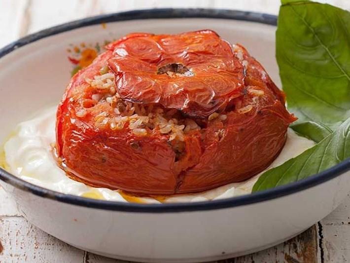 Etli domates dolması tarifi ve gerekli malzemeler