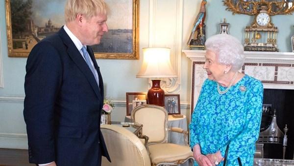 Kraliçe Elizabeth'ten Boris Johnson mesajı