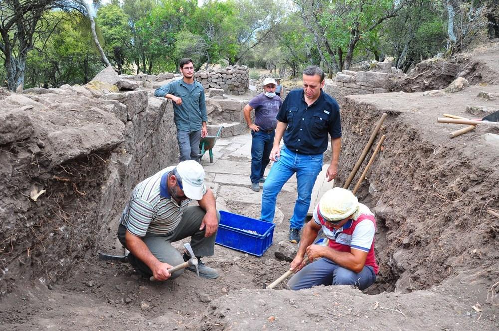 Aigai'deki kazılarda 2 bin yıllık Roma Yolu bulundu - 5
