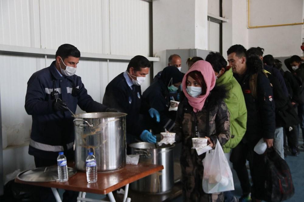 TIR dorsesinden 218 kaçak çıktı - 9