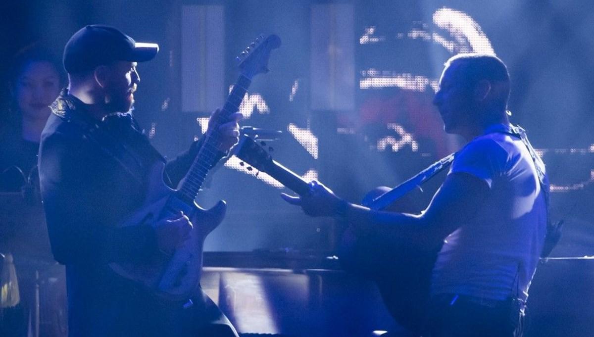 Coldplay yeni şarkısı Higher Power'ı uzay istasyonunda çalarak duyurdu