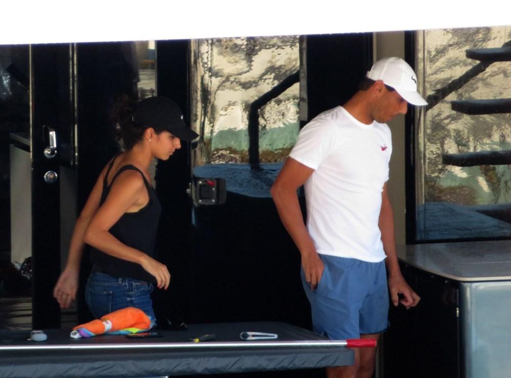 Rafael Nadal ile eşi Xisca Mery Perello ultra lüks yatlarını kendi temizledi - 9