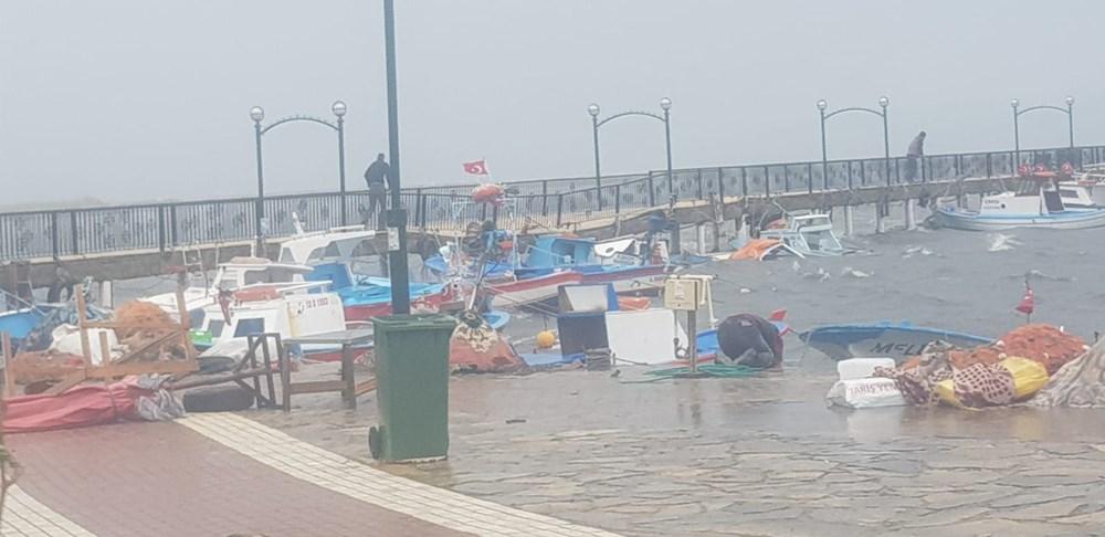 Ayvalık'ta fırtına: 20 tekne battı - 3