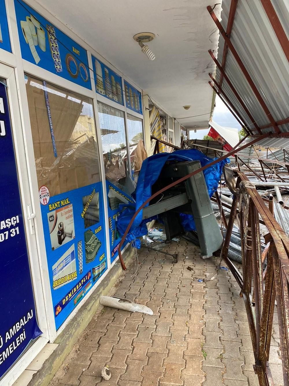 Antalya Kumluca'da kuvvetli rüzgar ve dolu: 1 ölü - 10