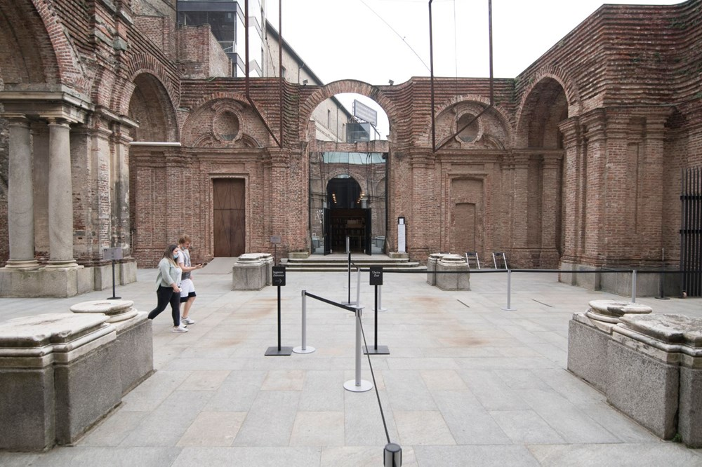 Aşılama merkezine dönüştürülen ilk kültürel mekan: Castello di Rivoli Çağdaş Sanat Müzesi - 2