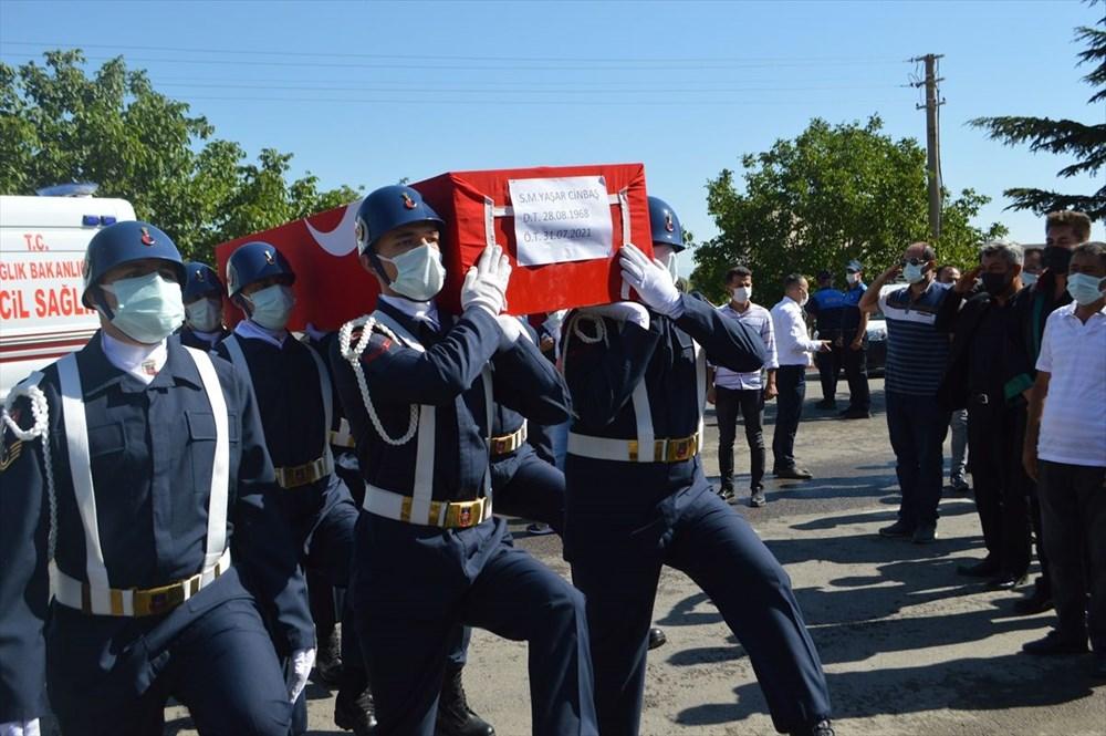 Manavgat'taki yangında ölen orman işçisi babasını cübbesiyle uğurladı - 4