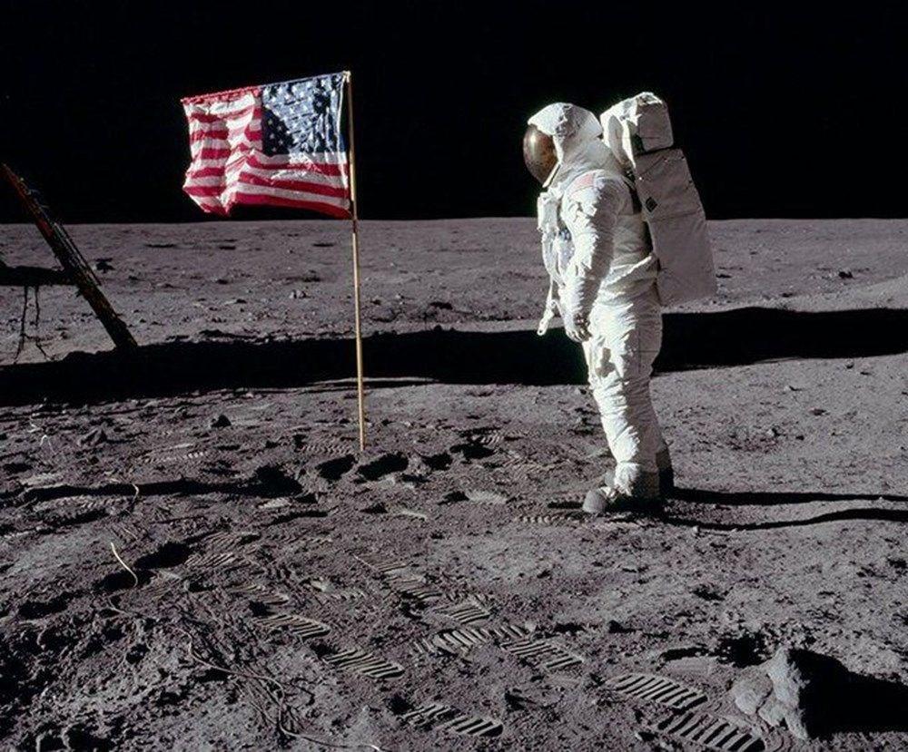 Ödüllü bilim muhabirinden ilginç iddia: Dinozorlar Ay'a NASA'dan önce ulaşmış olabilir - 1