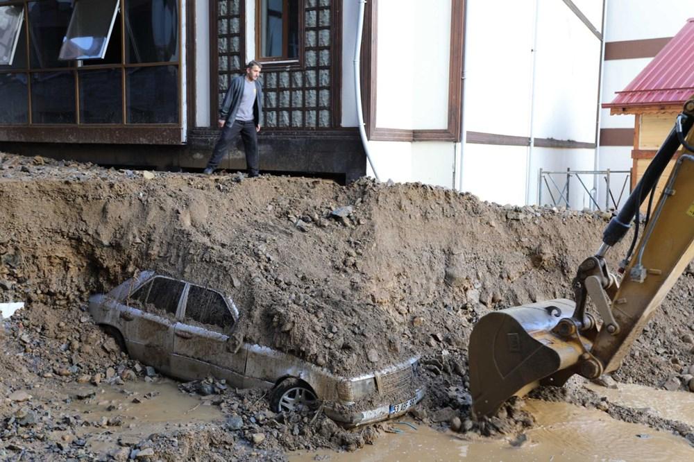 Rize'de sel ve heyelan afetinin hasarı gün ağarınca ortaya çıktı - 12