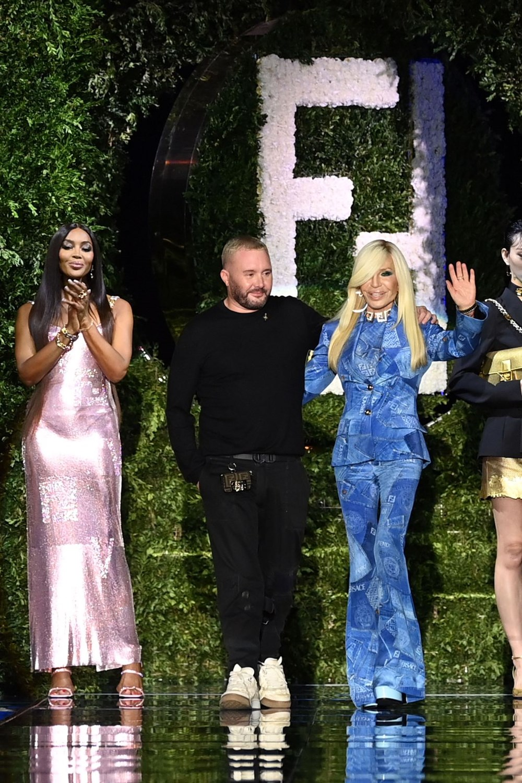 Gigi Hadid, Kate Moss ve Naomi Campbell Milano Moda Haftası'nda - 6