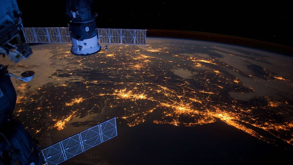 Aralık 2014'te bir ilk gerçekleşmiş, Uluslararası Uzay İstasyonu'ndaki (UUİ) astronotlar, üç boyutlu yazıcı kullanarak ilk kez uzayda bir alet yapmıştı.