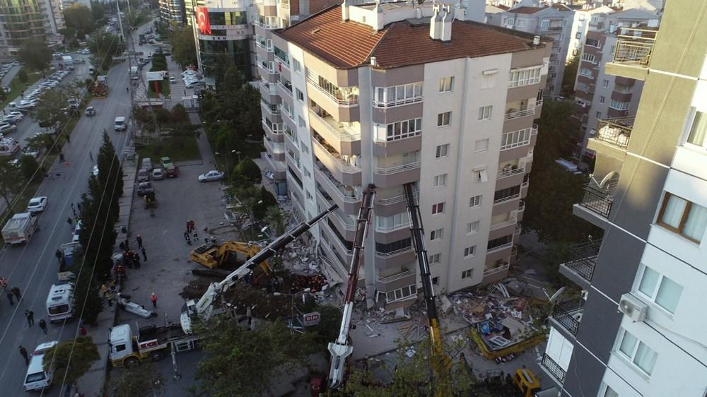 Depremde ilk 3 katı çöküp yan yatan bina, vinçlerle desteklendi - 5
