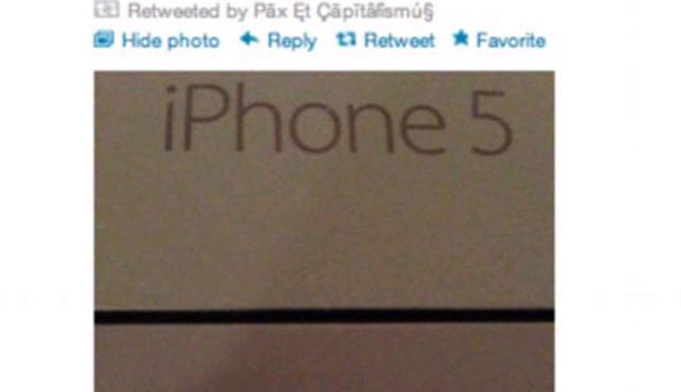 Kutusu açılmamış iPhone'u çalan yağmacının Twitter'da yayınladığı fotoğraf.