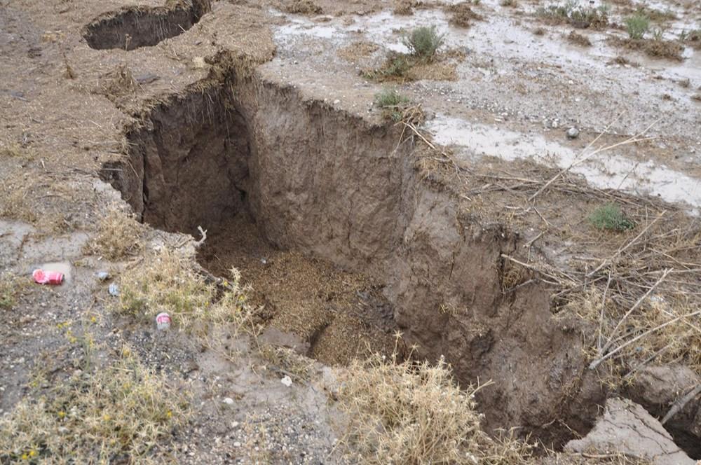 AFAD inceleme başlattı: Konya'da yağmur sonrası dev yarıklar oluştu - 2