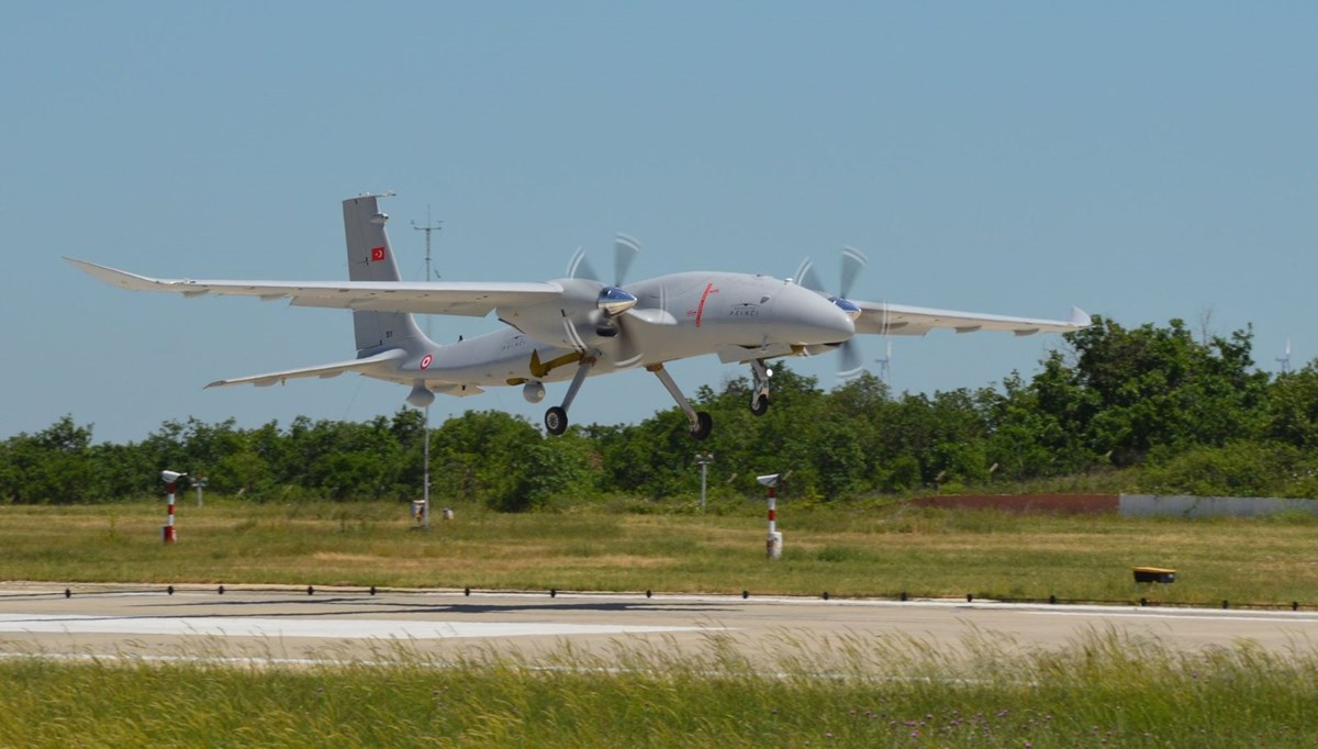 Selçuk Bayraktar paylaştı: Akıncı S-1 ilk uçuş testini tamamladı