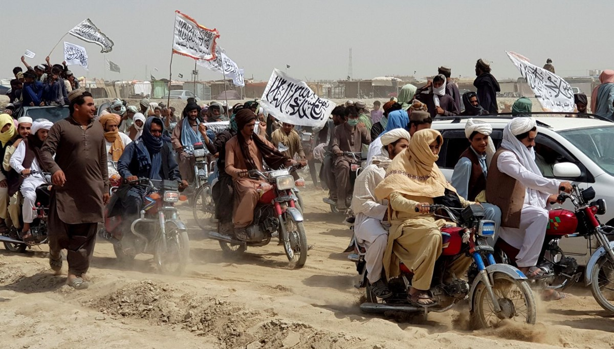 SON DAKİKA HABERİ: Taliban'ın ilerleyişi sürüyor: Kandahar'ı ele geçirdi