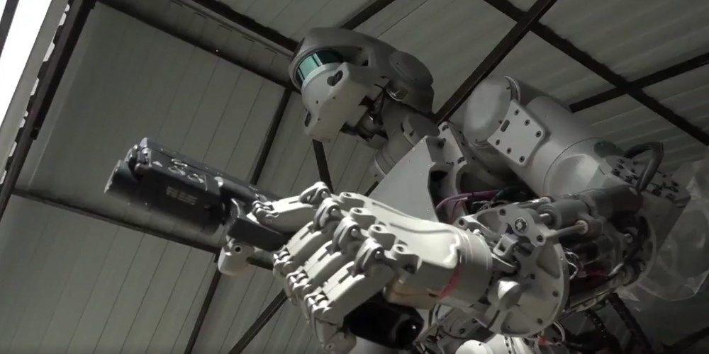İnsansı robot Fedor: İnsanlar hakkında iyi düşünmüyorum - 4