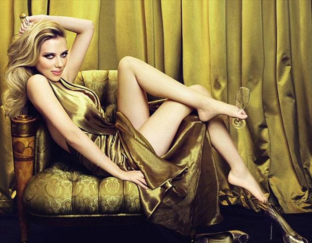 Scarlett Johansson şampanyayı patlattı | NTV