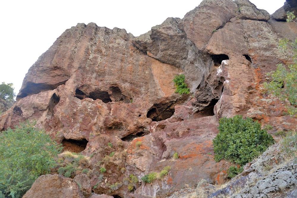 Hristiyanların gizli ibadet yaptıkları 1500 yıllık mağaralar ilgi çekiyor - 1