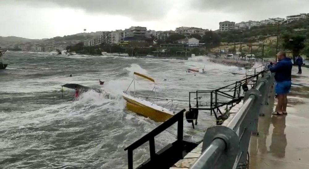 Balıkesir Ayvalık'ta fırtına: 30 tekne battı - 14