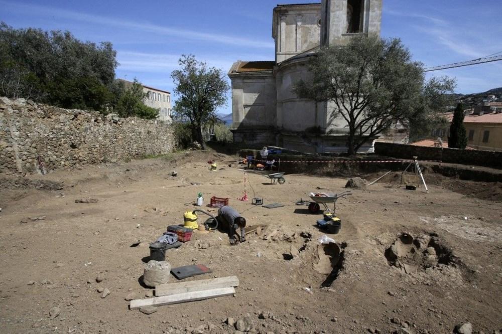 Fransız arkeologlar binlerce yıl öncesine ait 40 tabut keşfetti - 2