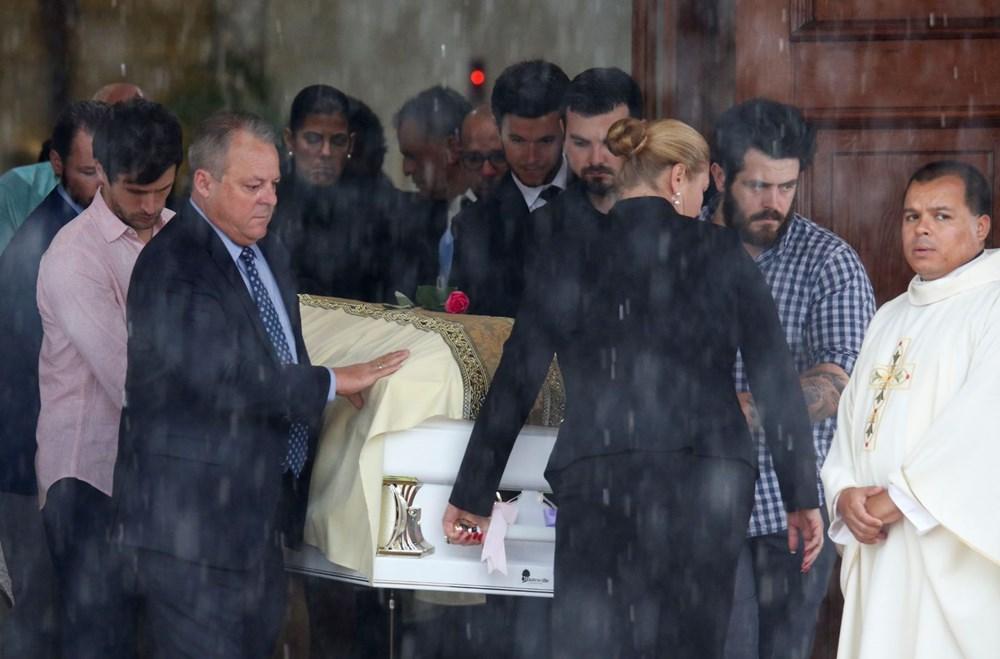 Bir aile yok oldu: Miami'deki çöken binada hayatını kaybedenler için ilk cenaze töreni düzenlendi - 4