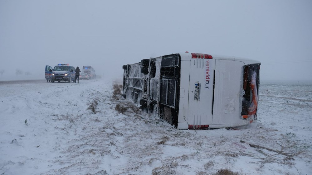 Konya'da 2 tur otobüsü devrildi: 1 Rus turist öldü, çok sayıda yaralı - 9