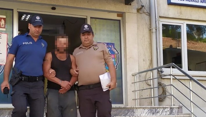 Bekçisi olduğu bahçeden 900 kilogram incir çalan kişi tutuklandı