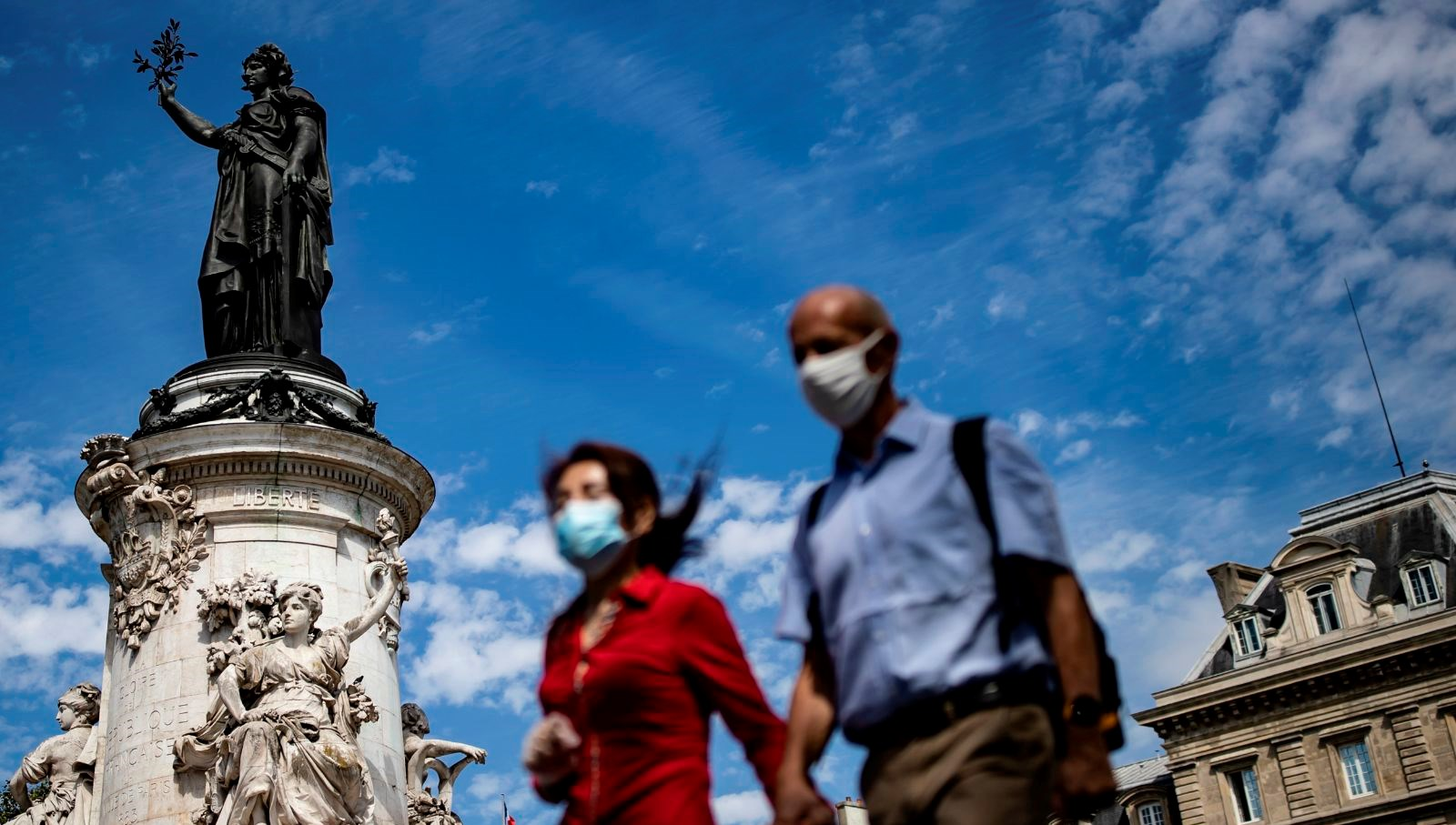 Fransa resesyon tahminini hafifletecek