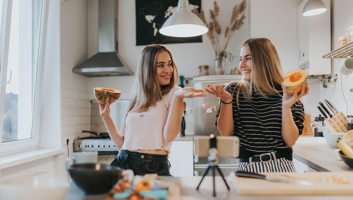 Oxford Üniversitesi: Gençlerin sosyal medya kullanımı ile akıl sağlığı sorunları arasında bir bağlantı yok