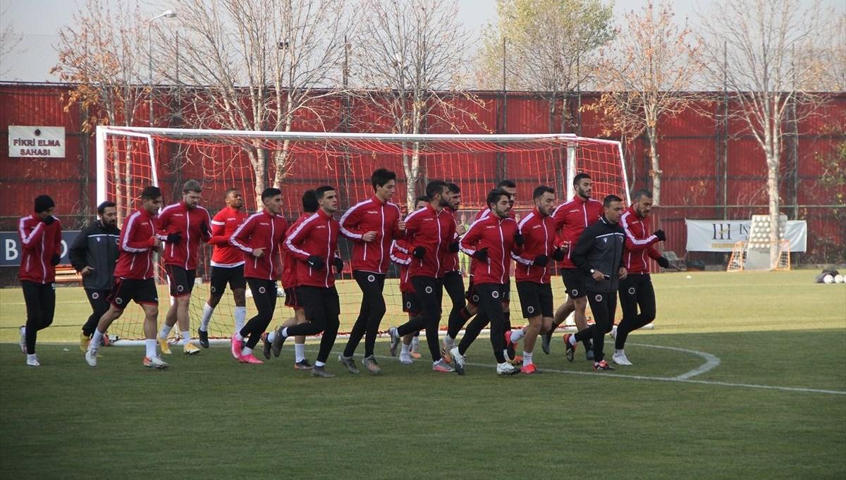Gençlerbirliği: 6'sı futbolcu 10 personelimizin test sonucu pozitif çıkmıştır