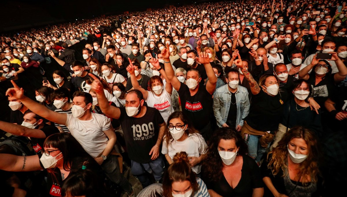 The first concert without social distancing was held in Spain during the Covid-19 outbreak