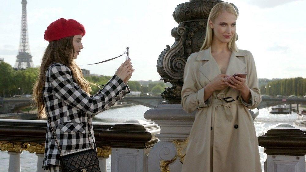 Emily in Paris'in rüşvetle Altın Küre adaylığı aldığı iddia edildi - 4