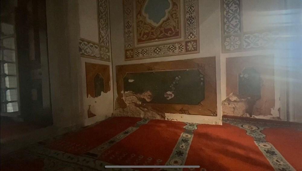 Beşiktaş'taki 465 yıllık cami rutubet nedeniyle dökülüyor - 5