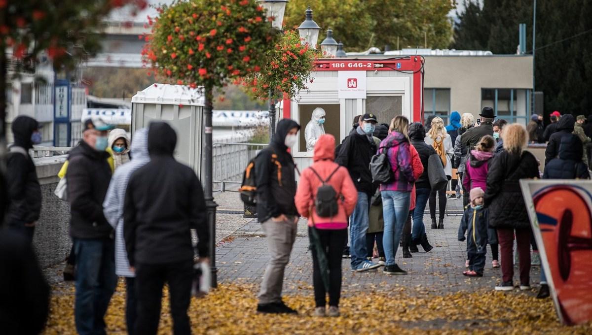 Slovakya'da ulusal test seferberliği: Nüfusun yarısına test yapıldı
