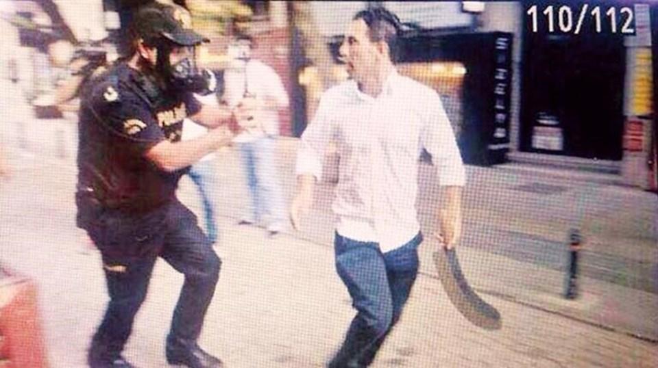 Sabri Çelebi, Gezi protestoları sırasında elinde silahla göstericilere saldırmıştı.