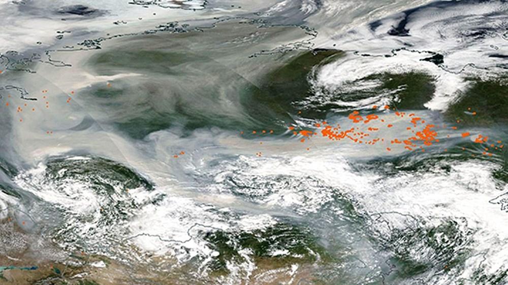 NASA duyurdu: Sibirya'daki yangınların dumanları tarihte ilk kez Kuzey Kutbu'na ulaştı - 5