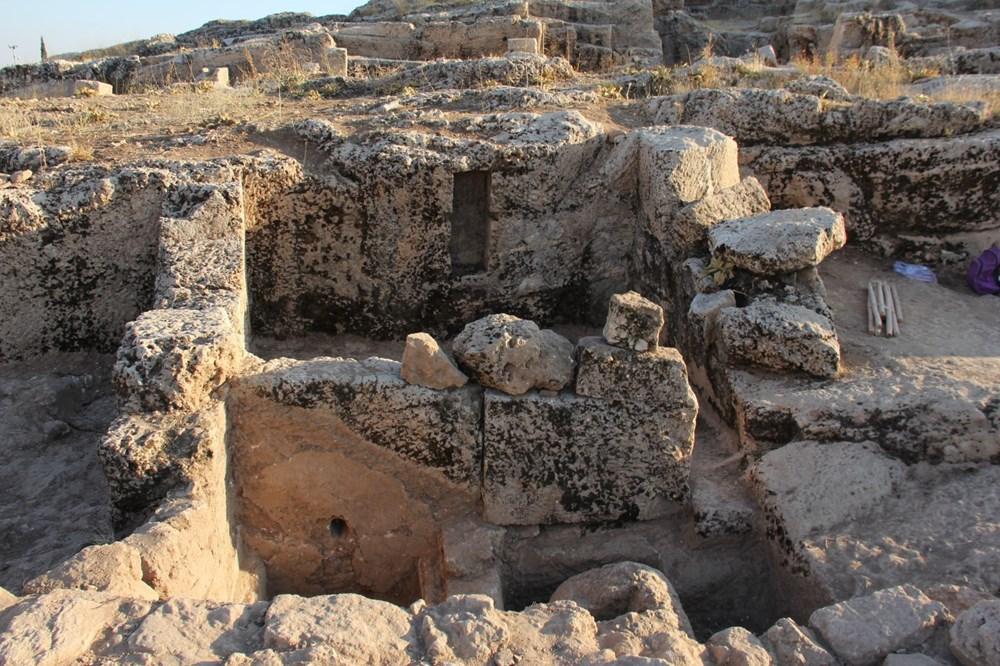 Adıyaman'daki Perre Antik Kent'teki kazılarda 9 adet üzüm işliği bulundu - 4