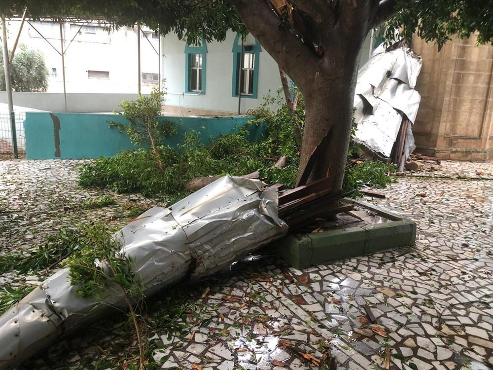 Antalya Kumluca'da kuvvetli rüzgar ve dolu: 1 ölü - 8