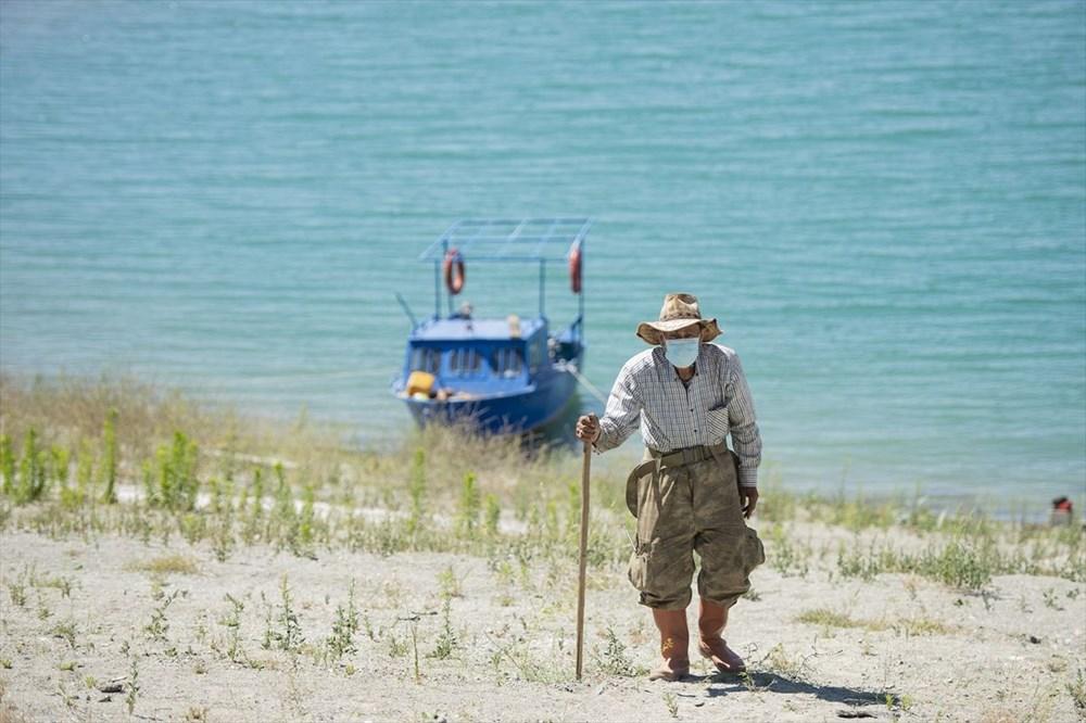 Doğaya kaçış hikayeleri: 'Robinson Ziya'nın Keban Baraj Gölü'ndeki adada huzurlu yaşamı - 10