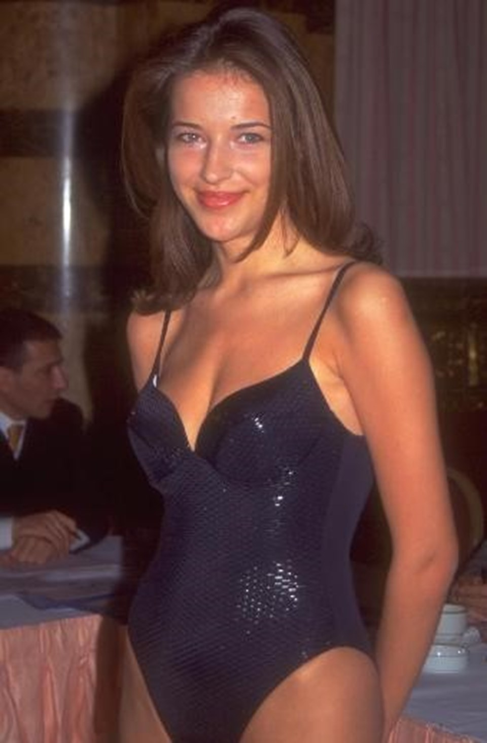 """Burcu Esmersoy1997'de katıldığı """"Miss Turkey""""de..."""