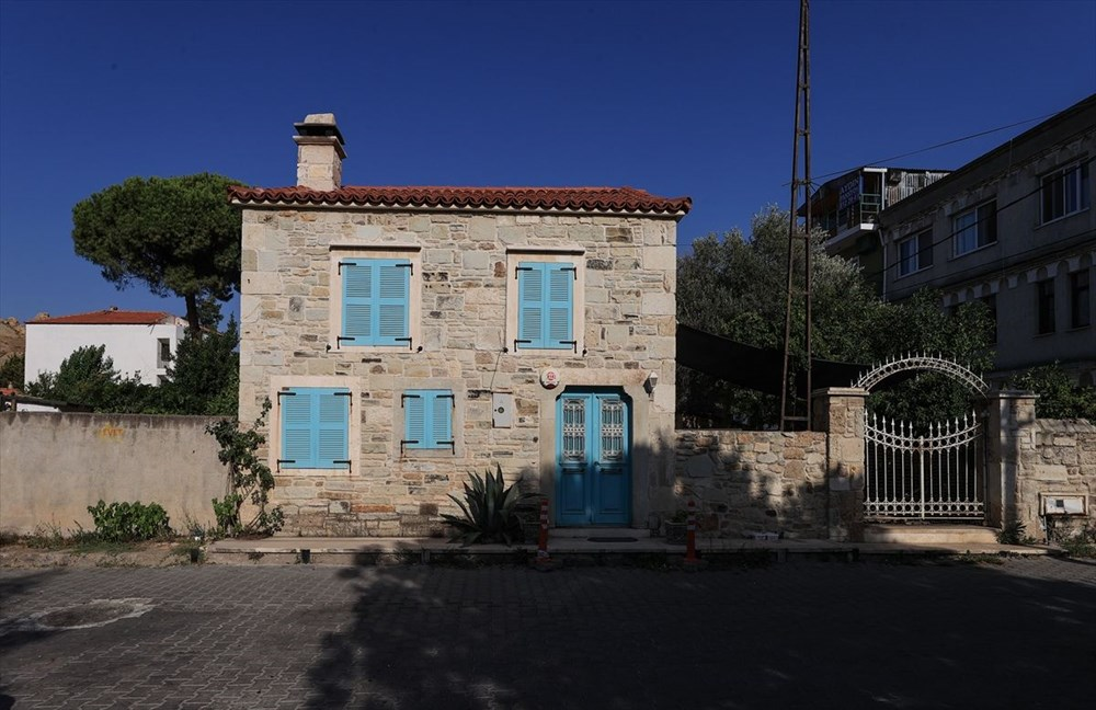 Foça'nın asırlık taş evleri yıllara meydan okuyor - 6