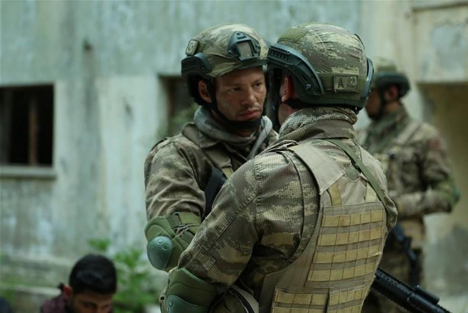 Atakan Arslan; Genelkurmay Başkanlığı ile Milli Savunma Bakanlığı iş birliğiyle çekilen, bir Özel Kuvvet Timi'in hikayesini konu alan ve Star TV ekranlarında yayınlanan Söz'de Geveze karakterine hayat veriyor.