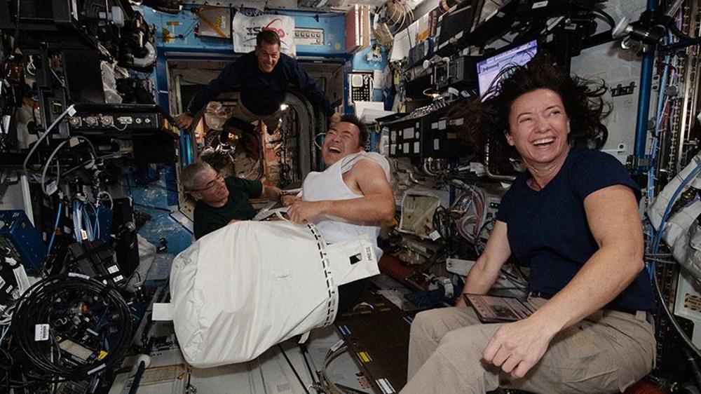 NASA'nın kargo gemisi istasyona kenetlendi - 3