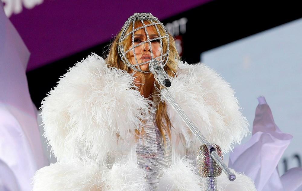 Yeni yıl kutlamasına Jennifer Lopez damgası - 3