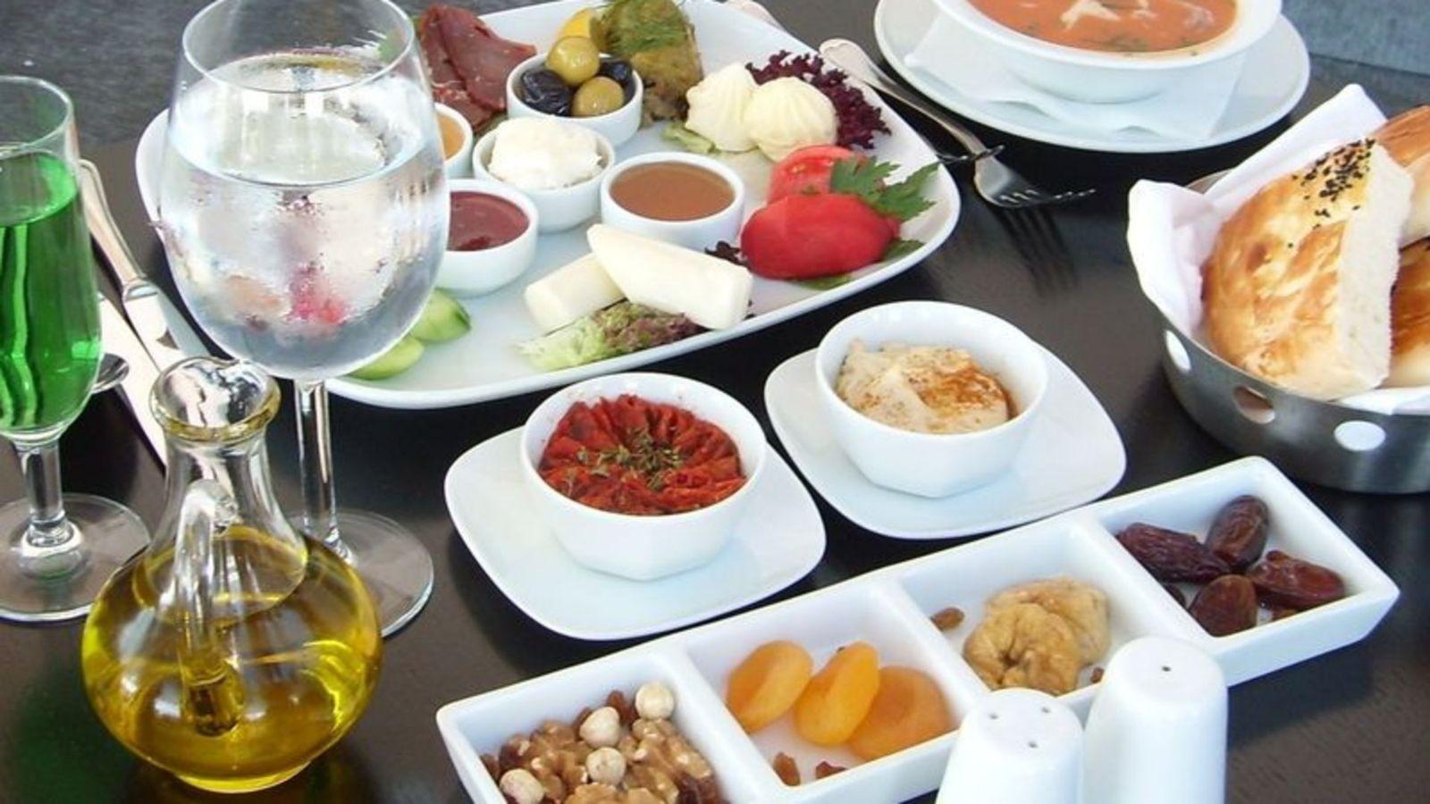 Ramazanda kilo aldıran besinler