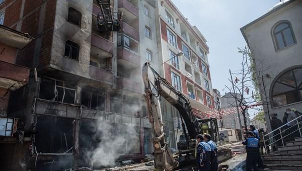 İstanbul'da doğalgaz borusunda patlama: Alevler metrelerce yükseldi