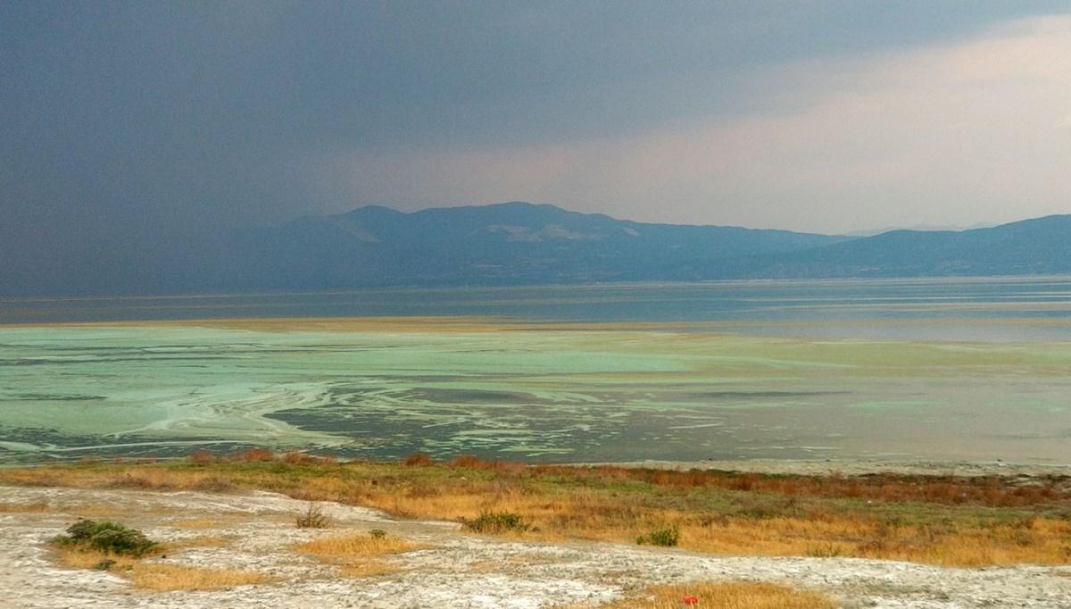Burdur Gölü'nün rengi değişti