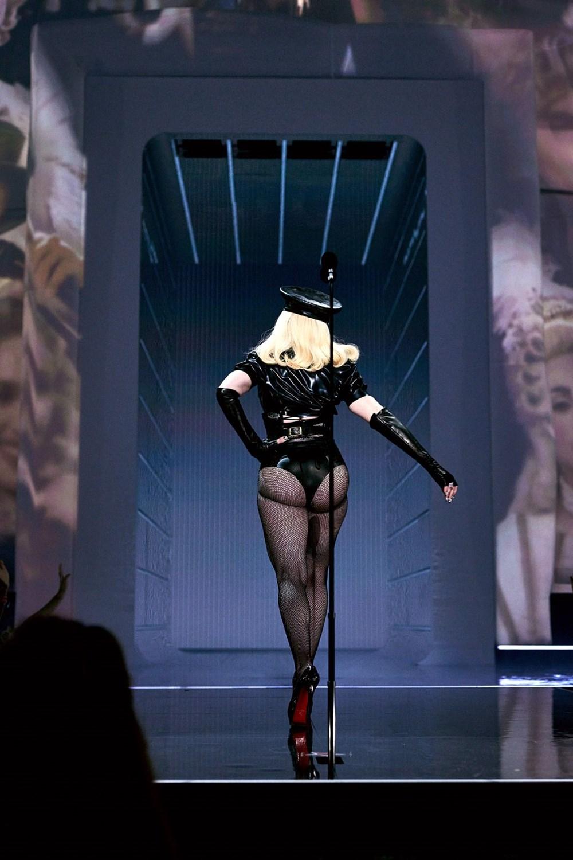 Madonna MTV Video Müzik Ödülleri after party'ye duvaklı katıldı - 6