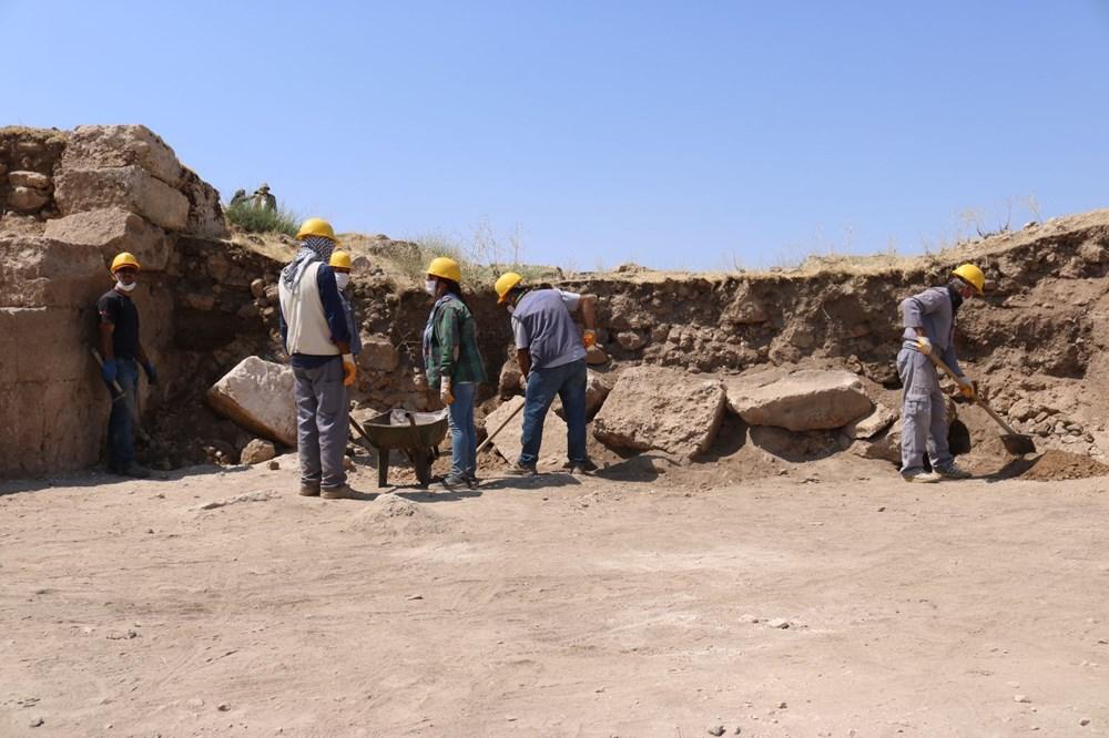 Zerzevan Kalesi'nin 1800 yıllık girişi bulundu - 3
