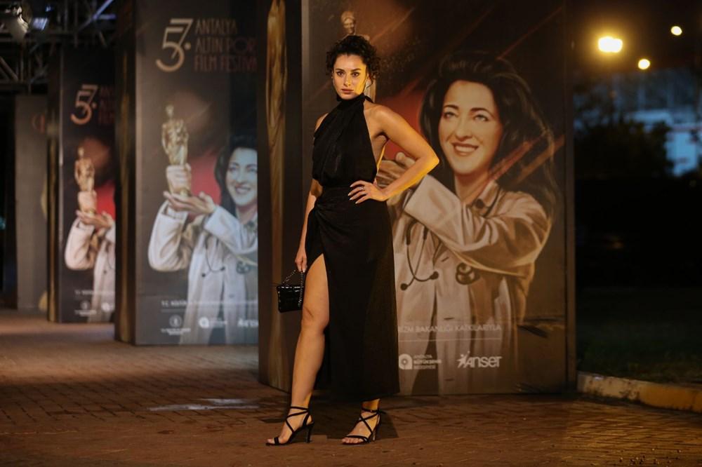 Altın Portakal Film Festivali kırmızı halı geçişiyle başladı - 18